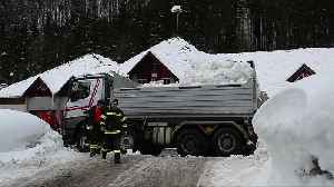 Emergency services battle snow in Germany and Austria [Video]