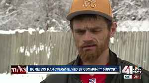 Thousands donated to homeless man who helped Chiefs player [Video]