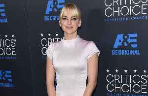 Anna Faris congratulates Chris Pratt on engagement [Video]