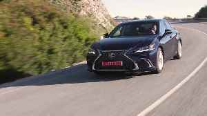 The new Lexus ES 300h LUXURY in Deep Blue Driving Video [Video]