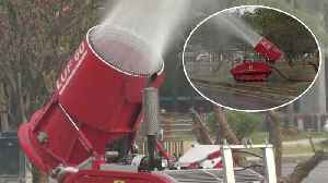 Thai Workers Use Water Cannons To Tackle Air Pollution [Video]