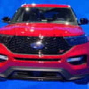 2020 Ford Explorer ST & Hybrid – First Look at Detroit Auto Show 2019 [Video]