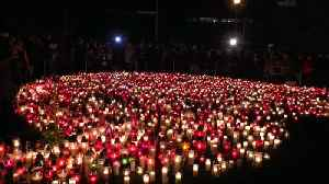 Poland lights a giant heart in tribute to slain mayor [Video]