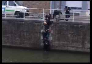 Passers-By Come to Aid of Child Who Fell Into Brussels Canal [Video]