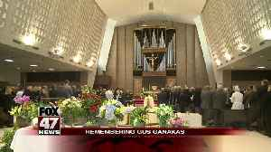 Former MSU players, fans gather to honor Gus Ganakas [Video]