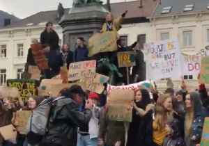 Thousands of Young People March to European Parliament Demanding Action on Climate Change [Video]