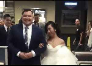 Can I Get Vows With That? Couple Say 'I Do' in Fast Food Burger Chain [Video]
