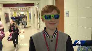 Students welcome back classmate with eye cancer, all sporting shades [Video]
