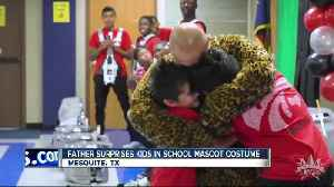 Military dad dresses up as school mascot to surprise kids [Video]