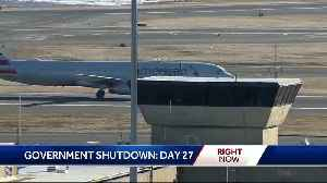News video: Airport workers urge passengers to help end shutdown
