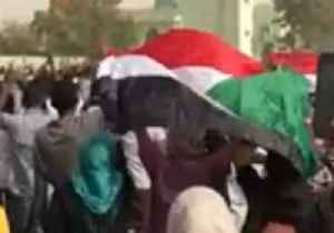 Security Forces Fire Tear Gas at Anti-Government Protesters in Khartoum [Video]
