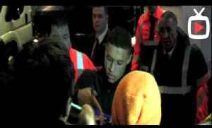 Alex Oxlade-Chamberlain Signing Fan Autographs After Match - ArsenalFanTV.com [Video]