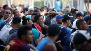 News video: Hundreds More Migrants Join Central American Caravan In Mexico