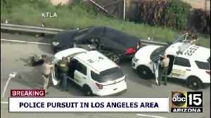 Box truck ends police pursuit in LA [Video]