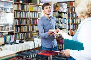 Independent Bookstores Continue to Do Well in the US [Video]