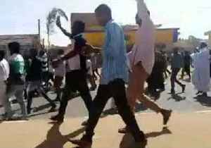 Unarmed Protesters Flee Sounds of Gunfire in Khartoum [Video]
