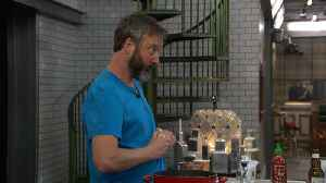 Celebrity Big Brother - Tom's Trick For Peeling Garlic (Live Feed Highlight) [Video]