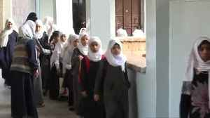 Learning returns to a bombed-out Yemen school [Video]