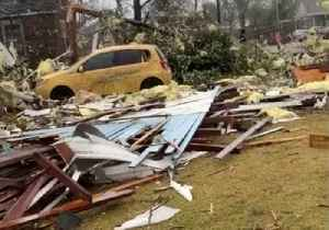 Tornado Leaves Trail of Destruction in Wetumpka, Alabama [Video]