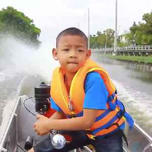 This 5-year-old boy drives his dad's boat to school every day [Video]