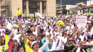 Thousands march in Colombia after deadly car bombing [Video]