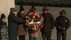 Wreath laying ceremony held at MLK Memorial [Video]