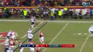 Patrick Mahomes throws TD dart to Damien Williams on the move [Video]