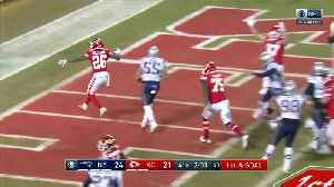 Damien Williams cuts up the middle for late go-ahead TD [Video]