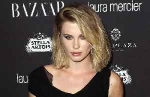 Ireland Baldwin: Hailey and Justin are like the same person [Video]