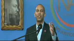 News video: Rep Jeffries Calls POTUS A Grand Wizard At Sharpton's Conference