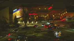Teen Fatally Shot at Orland Park Mall, Police Searching For Suspect [Video]