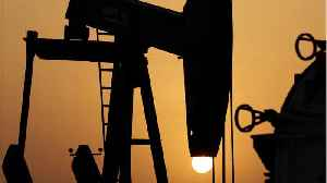 Oil Prices Slip As US Output Pressures Globle Market [Video]