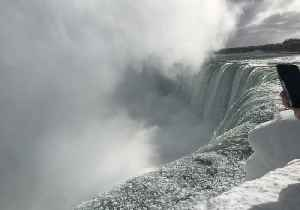 Niagara Falls Turns Icy During Winter Storm [Video]