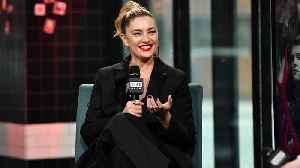 """Mӓdchen Amick On """"Gilmore Girls"""" & """"Gossip Girl"""" [Video]"""