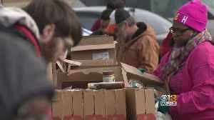 Amid Mounting Need, Federal Workers Go To Maryland Food Bank [Video]