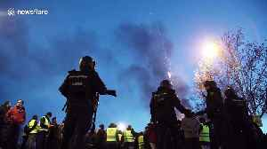 Clashes between taxi drivers and riot police in Madrid during anti-Uber protests [Video]