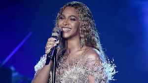 Beyonce Posts Adorable Twinning Photos With Blue Ivy | Billboard News [Video]