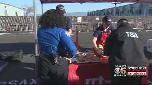 Group Provides Free Lunch For TSA Agents At Oakland International [Video]