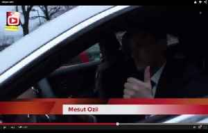 Mesut Ozil, Coquelin, Gnabry, Rosicky, Akpom & Ox Leaving The Emirates [Video]