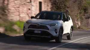 The new Toyota RAV4 in Pearl White Driving Video [Video]