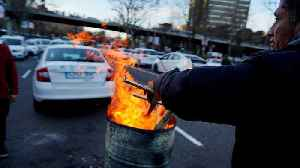 Taxi drivers' protest for regulation enters eighth day as Madrid police move in [Video]