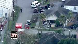 PD: 4 police officers shot in Houston while serving warrant [Video]