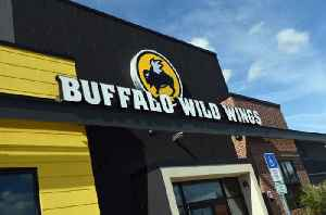 Buffalo Wild Wings Promises Free Wings if the Super Bowl Goes Into OT [Video]
