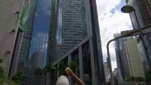 'French Spiderman' scales building in Manila [Video]