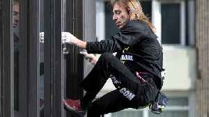 'French Spider-man' Alain Robert Arrested for Scaling GT Tower in Manila, Philippines [Video]