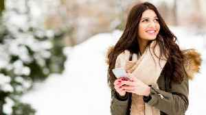 Protect Your Cell Phone! Freezing Temperature May Shut It Down [Video]