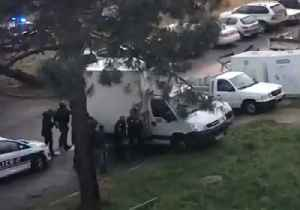 Police Negotiate with Shooter Barricaded in Bastia Apartment Building [Video]