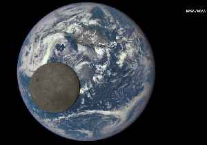 See the Moon Pass in Front of Earth in Epic Photobomb [Video]