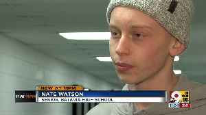 Batavia shows its love for Nate Watson, basketball captain with Hodgkin's Lymphoma [Video]