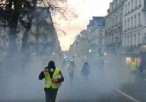 Riot Police Disperse Yellow Vest Protest in Rouen [Video]